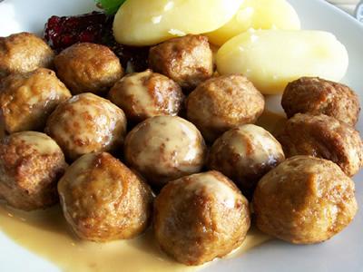 Húsgolyó Mustáros Mártásban
